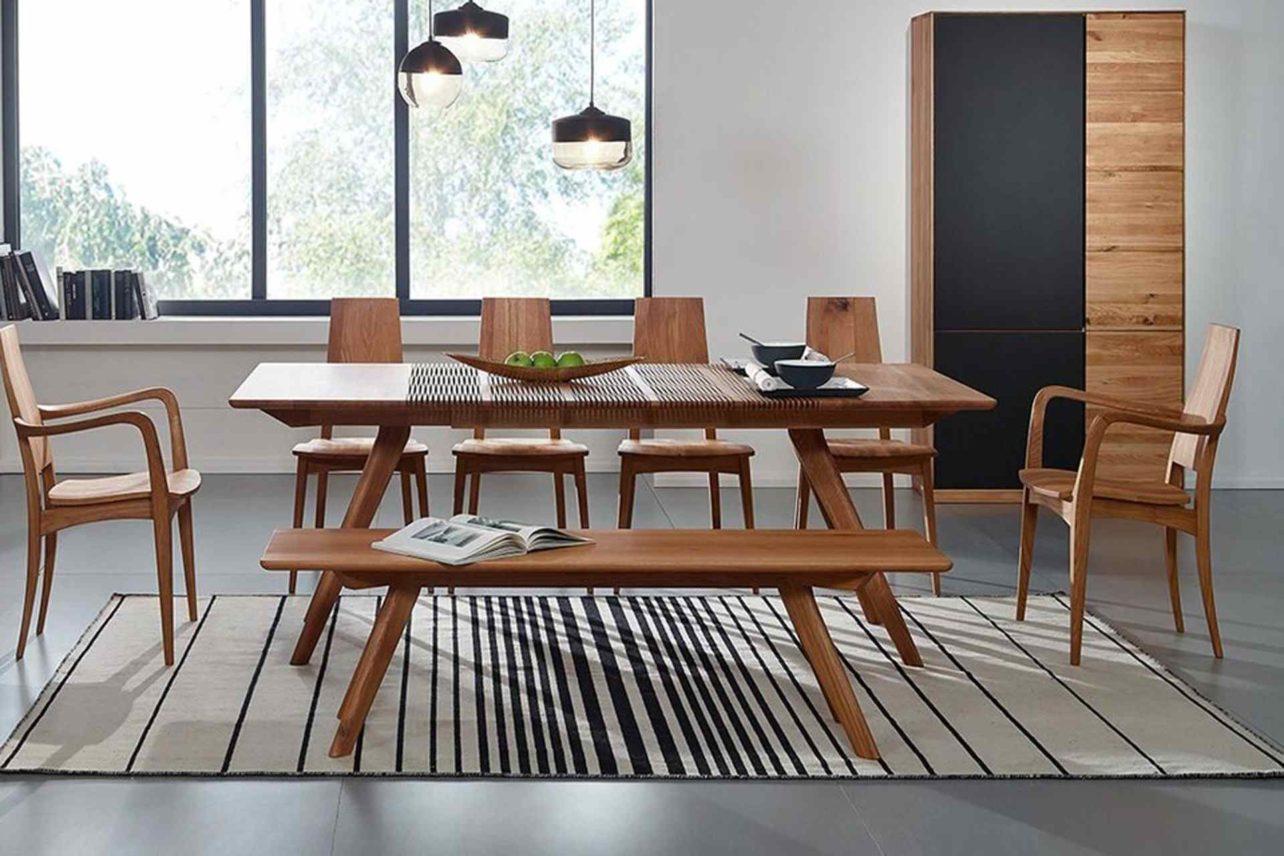 Eleganter Tisch mit innovativem Auszugssystem