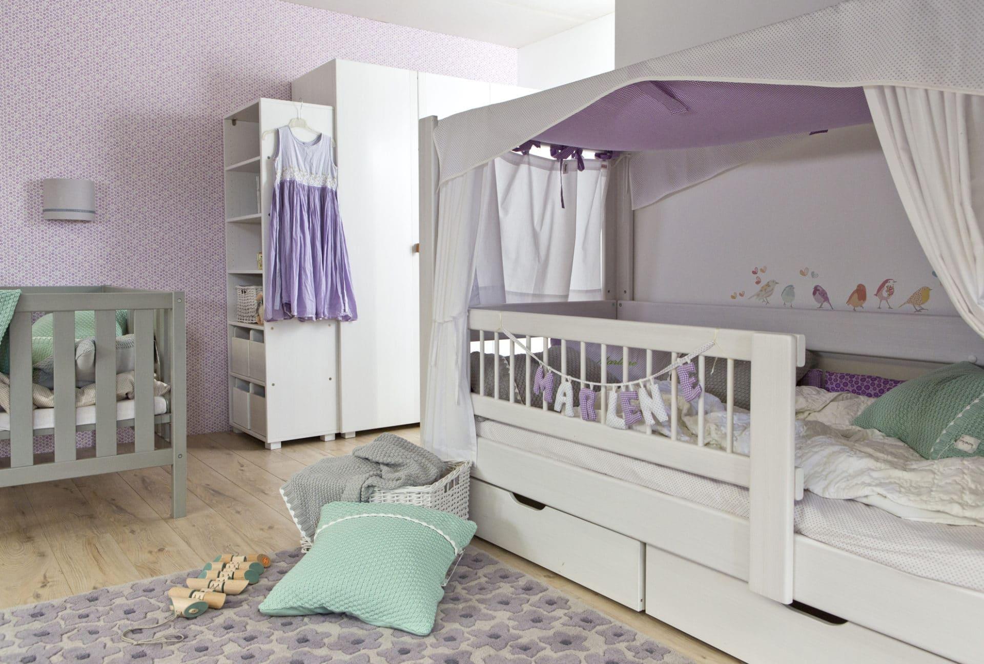 himmelbett kubu f r die ganz kleinen wohnopposition. Black Bedroom Furniture Sets. Home Design Ideas