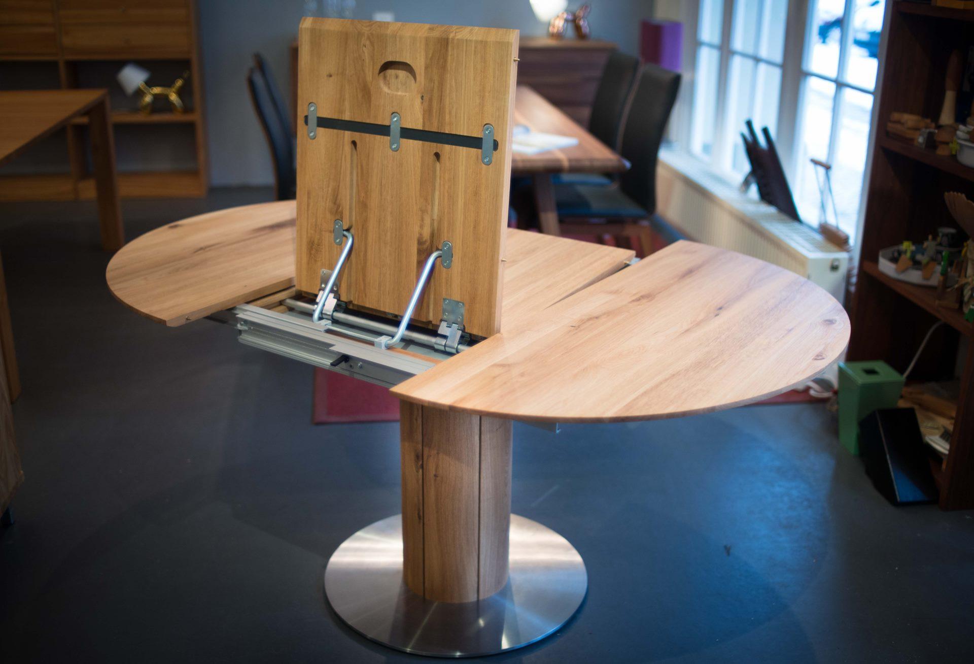 Runder Holztisch Bali mit innnenliegenden Einlegeplatten