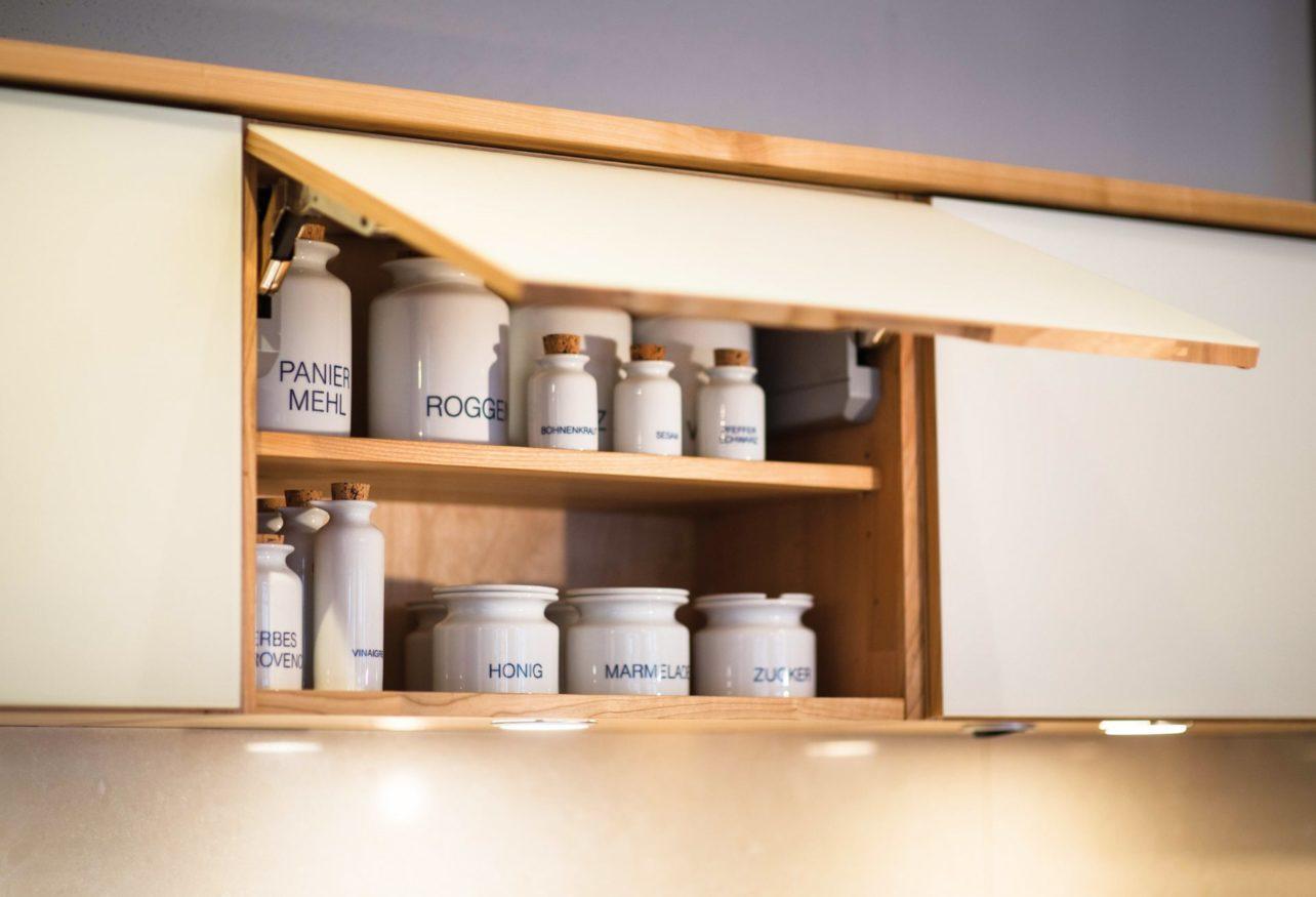 Küchenhängeschrank mit Klappe in Küche Culignea in Kirsche