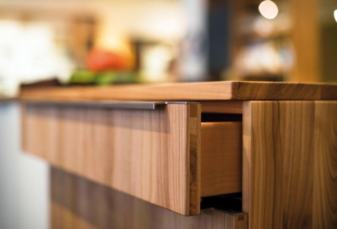 Schublade in der Küche Culignea Kirsche
