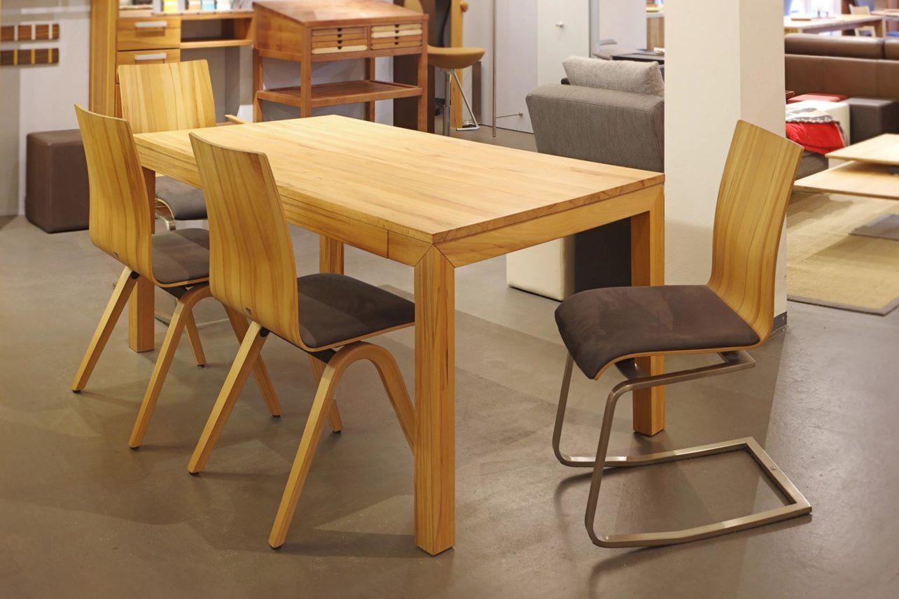 Esstisch Lucca mit Moizi Stühlen
