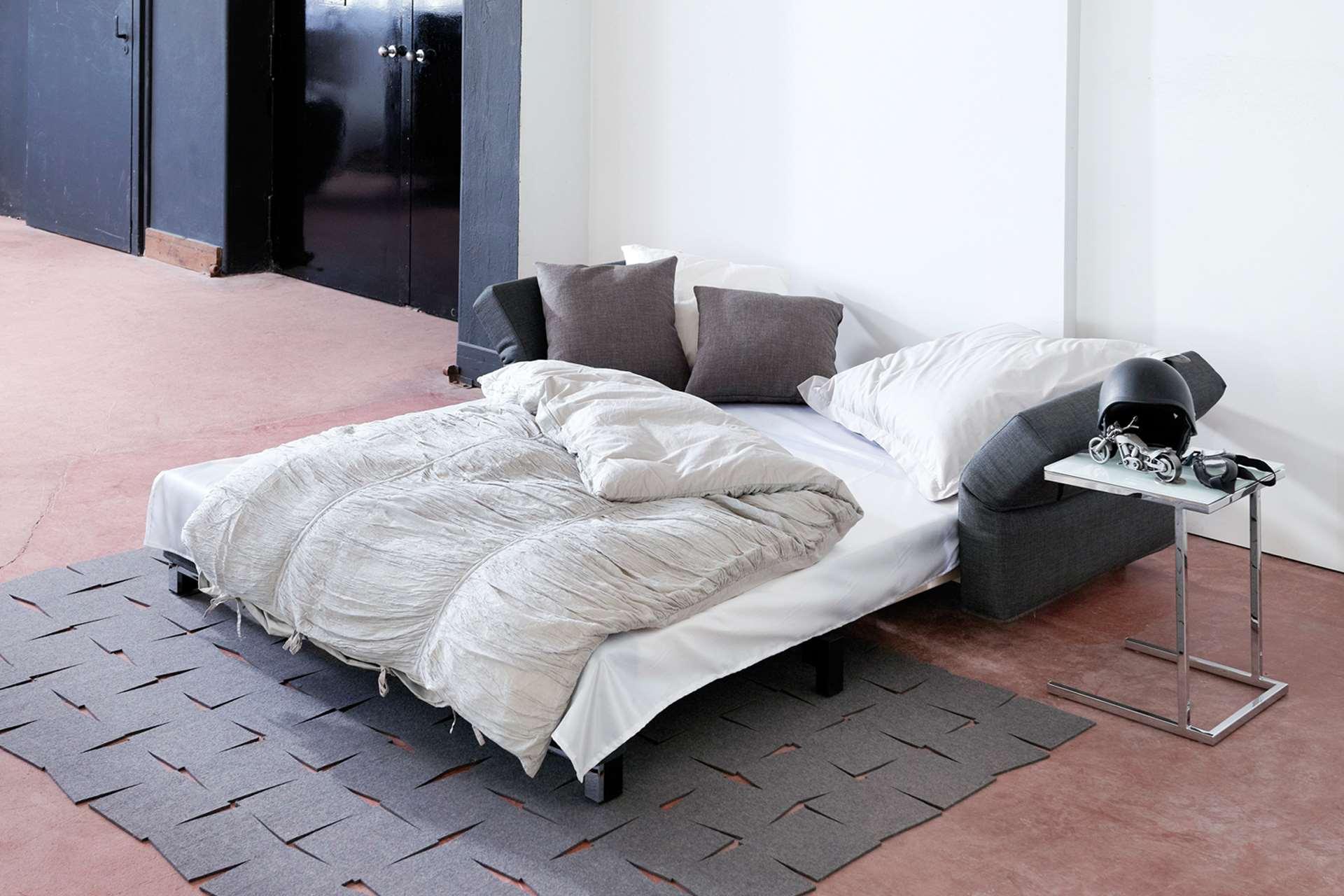 Aktions-Schlafsofa Moritz ausgezogen in die Schlafposition