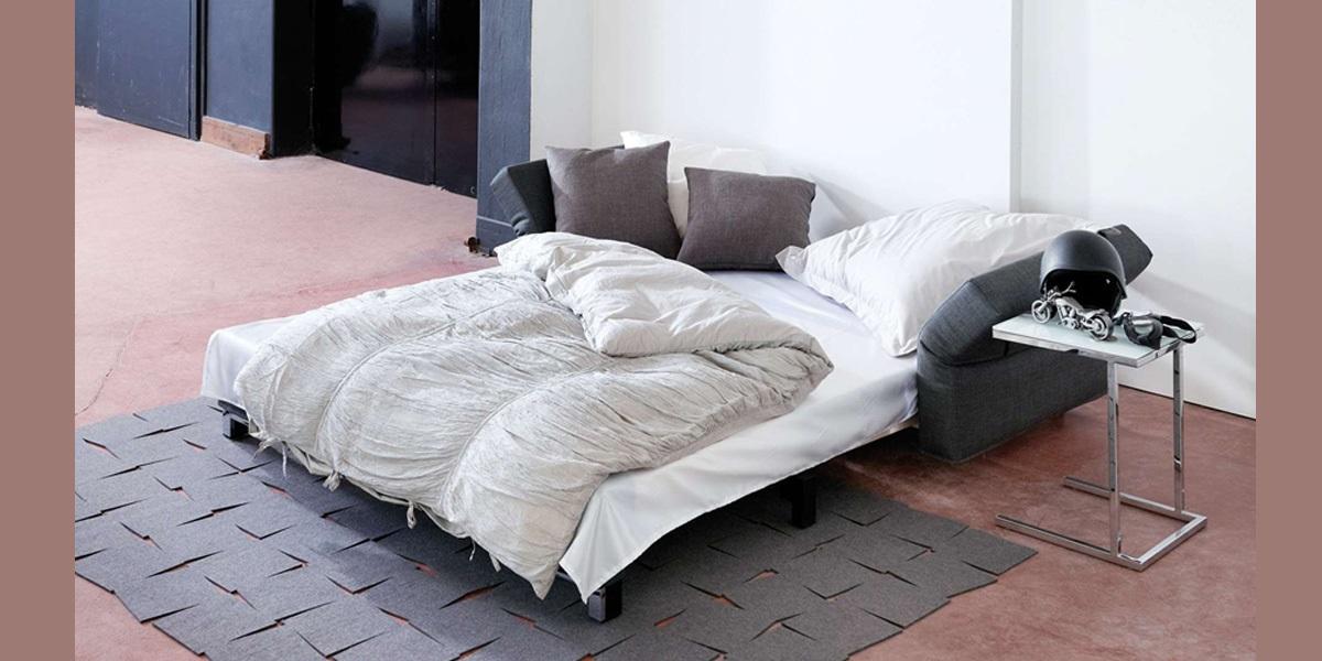 Bettcouch Moritz in Schlafposition