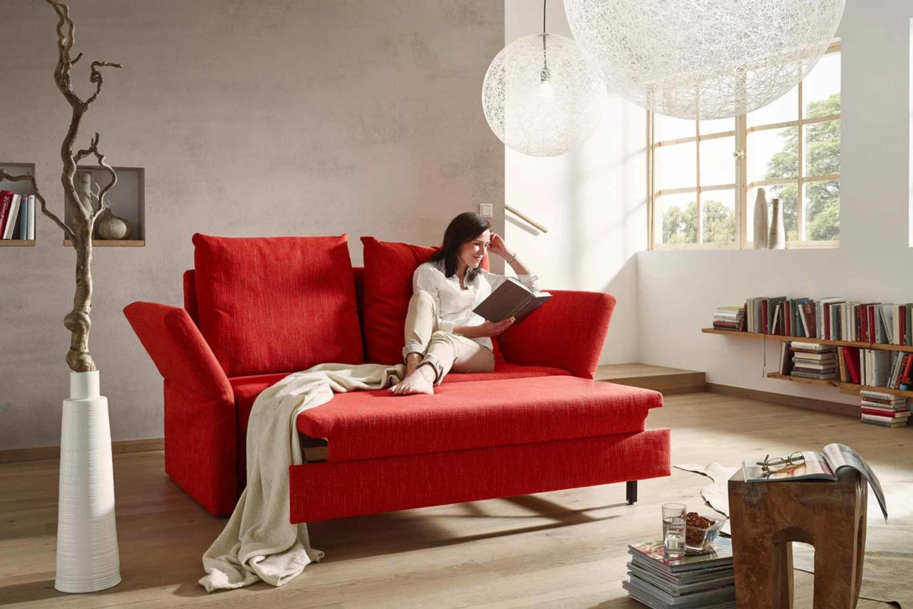 Schlafsofa Cassino in rot in der Relaxposition