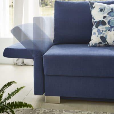 Schlafsofa Neo in Blau, Detail stufenlos verstellbare Armlehne