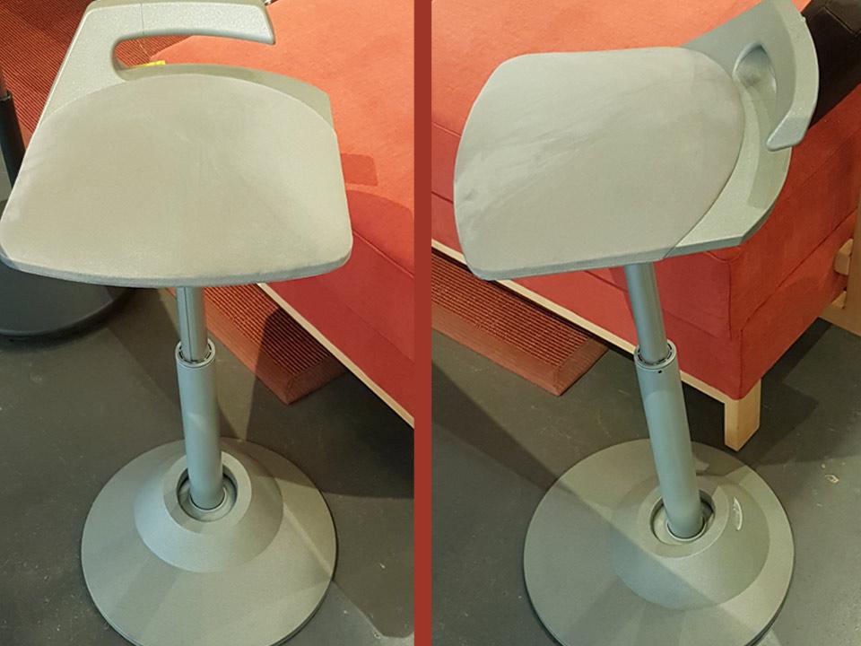 Vario-Stehsitz muvman mit Teller grau
