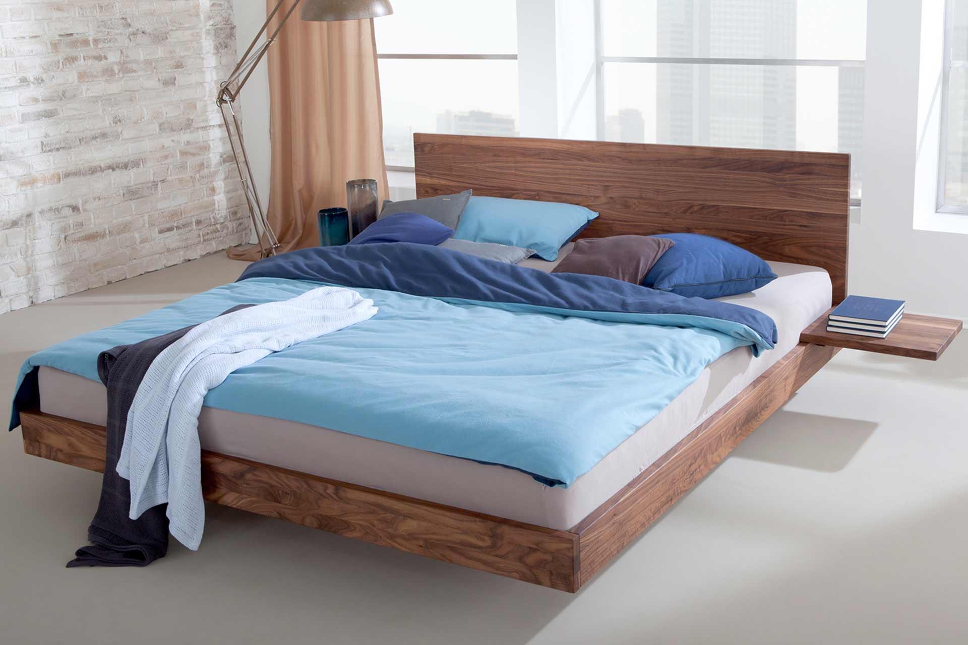 Bett Nido aus Nussbaum
