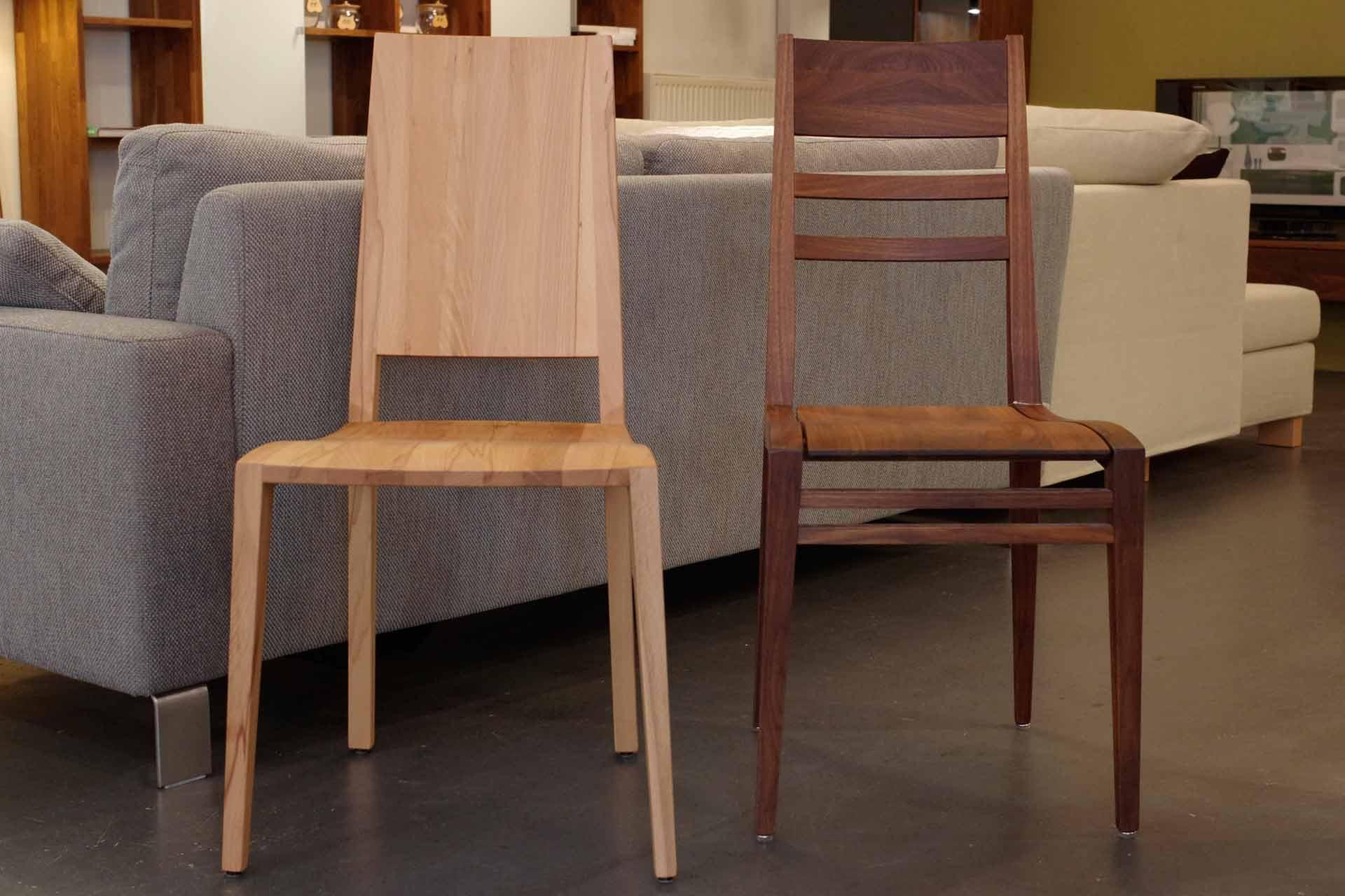 Holzstühle Julia 5 und Contra 1