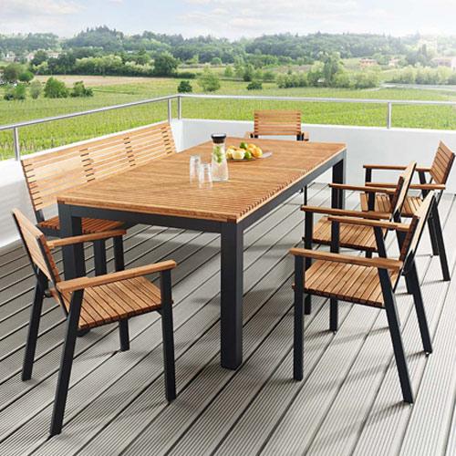 Tischgruppe Saso aus Robinienholz