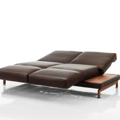 moule-sofas-07-leder-ausgeklappt