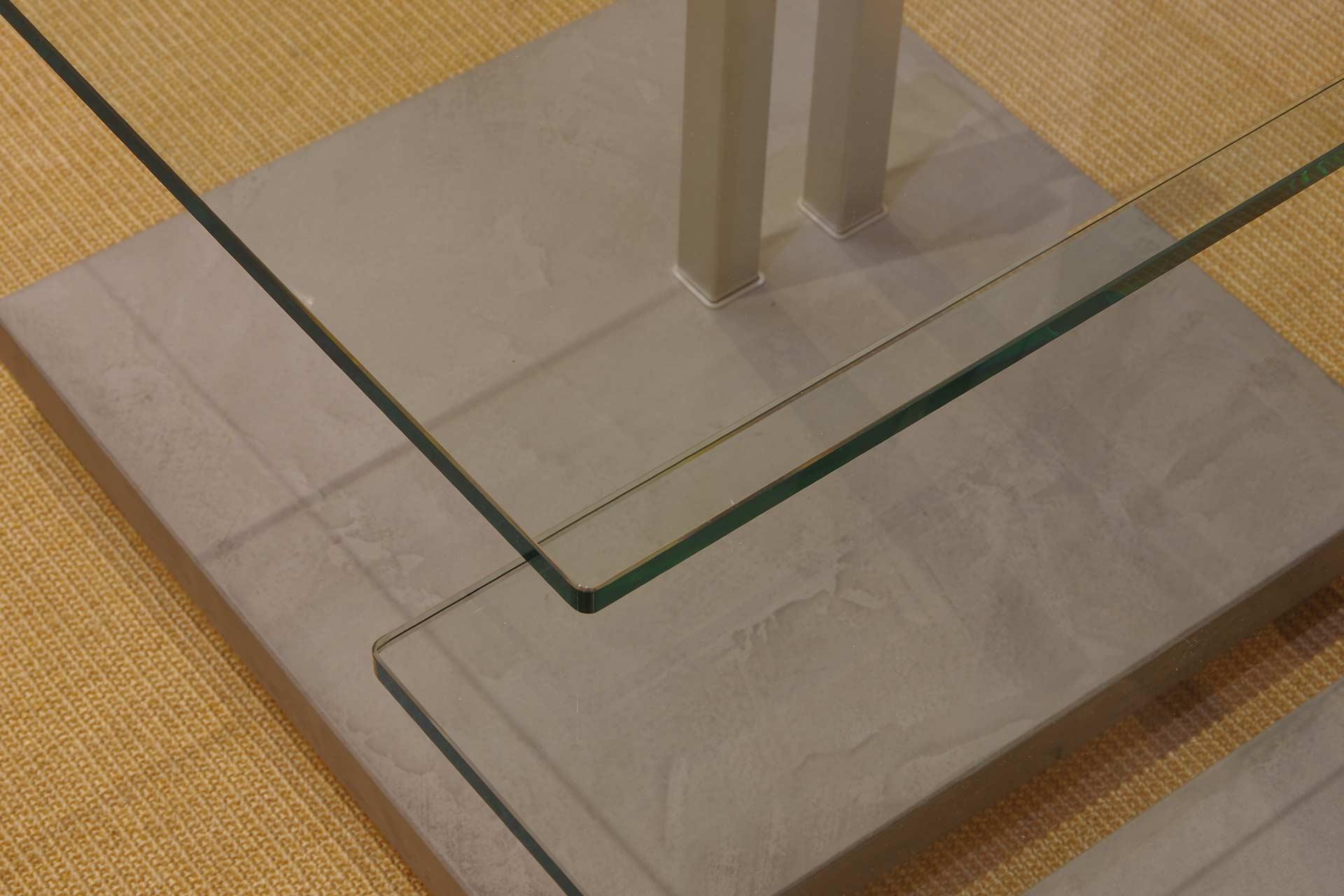 Satztisch Doppio mit Bodenplatte in Betonoptik